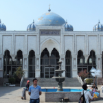 タジキスタン 第2の都市ホジェンドのモスクと中央アジア最大バザール
